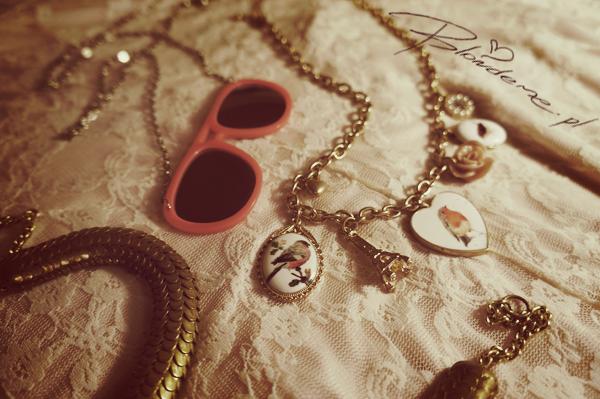 bijou_brigitte_naszyjnik_vintage_w_ksztalcie_serca_rozowe