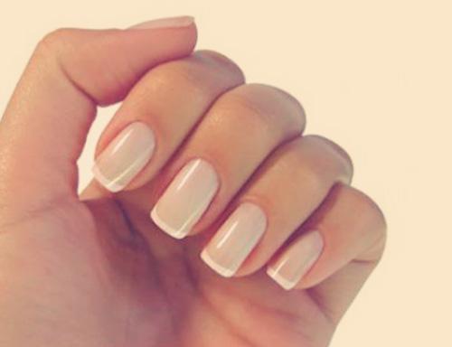French manicure francuski paznokcie naturalne