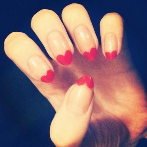 French manicure serduszka wzory paznokcie na randke