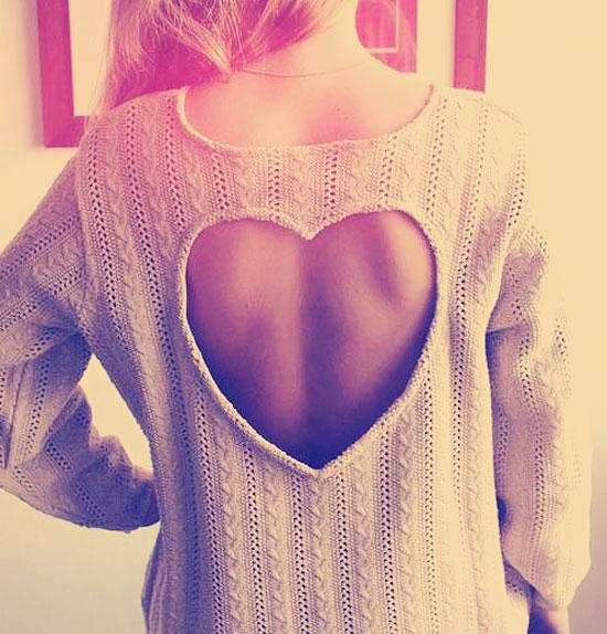 Sweterek rozowy serduszko gole plecy na randke