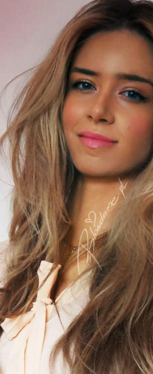Wieczorowy makijaz blondynki rozowy randka